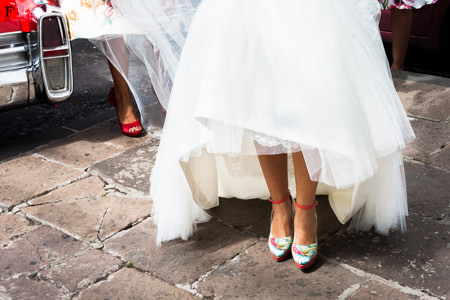 http://www.fotoinstantes.es/wp-content/uploads/2016/04/zapatos-boda-jorge-larranaga-3.jpg