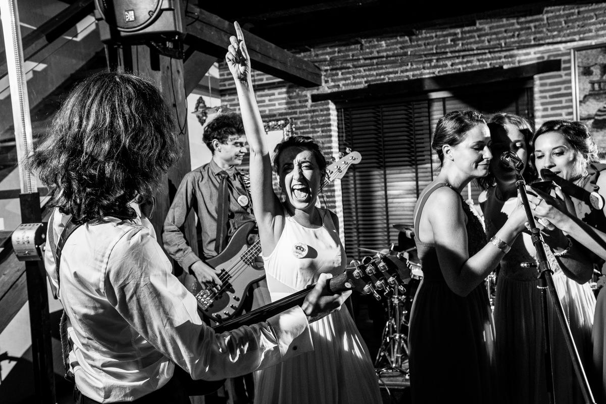 fiesta de boda en el mirlo blanco