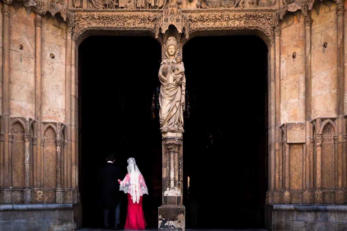 puerta de entrada para los novios en la catedral de leon