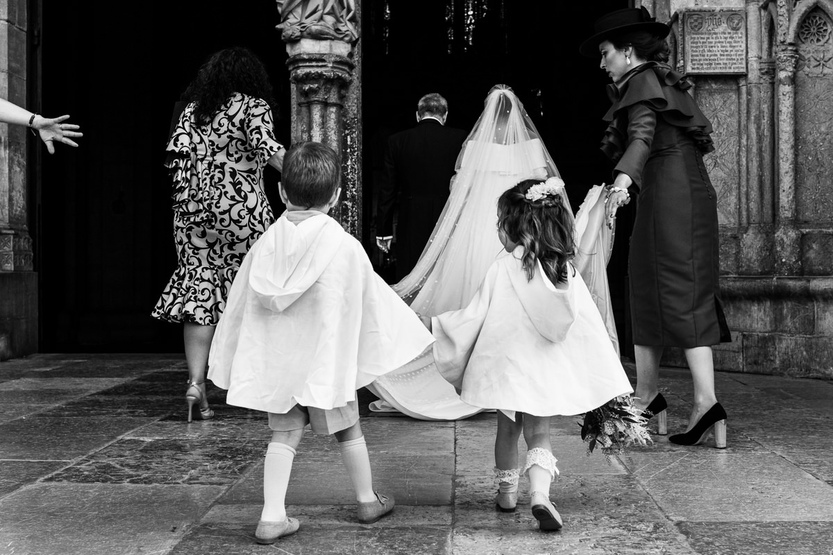 entrada de la novia a la catedral de leon