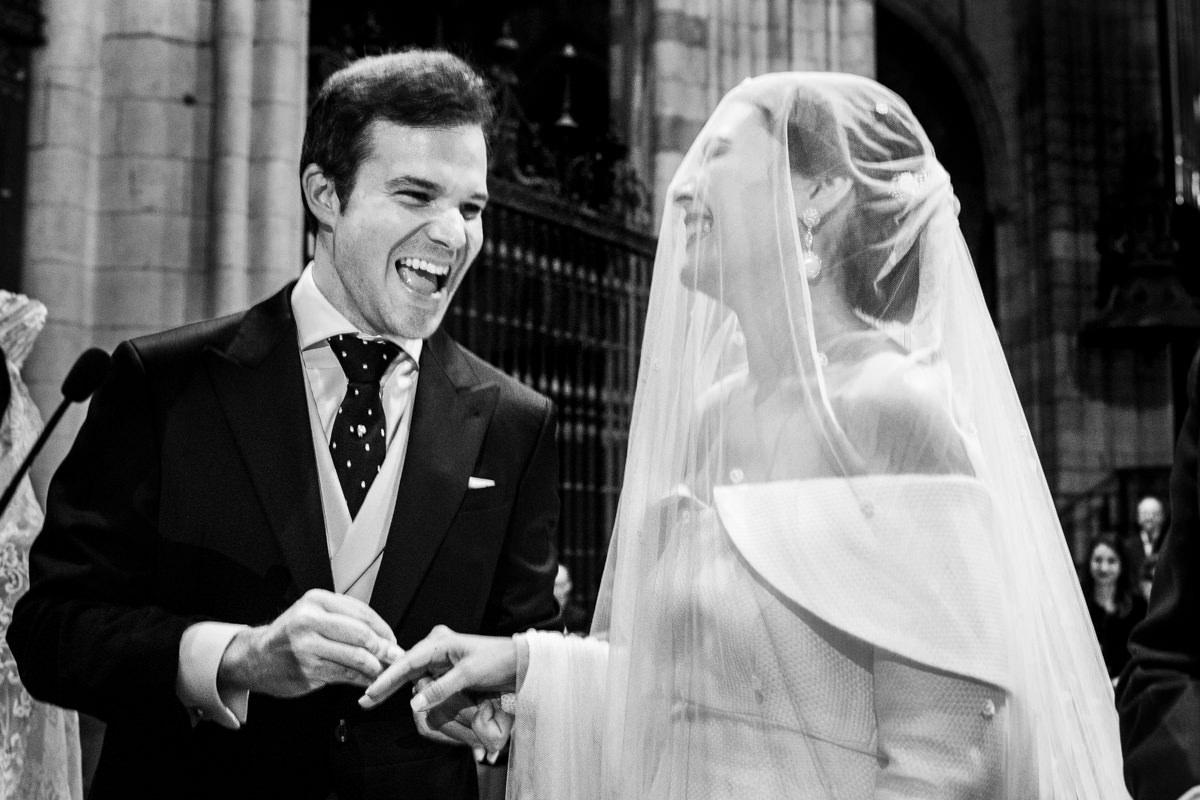 Ceremonia de boda religiosa en la catedral de leon