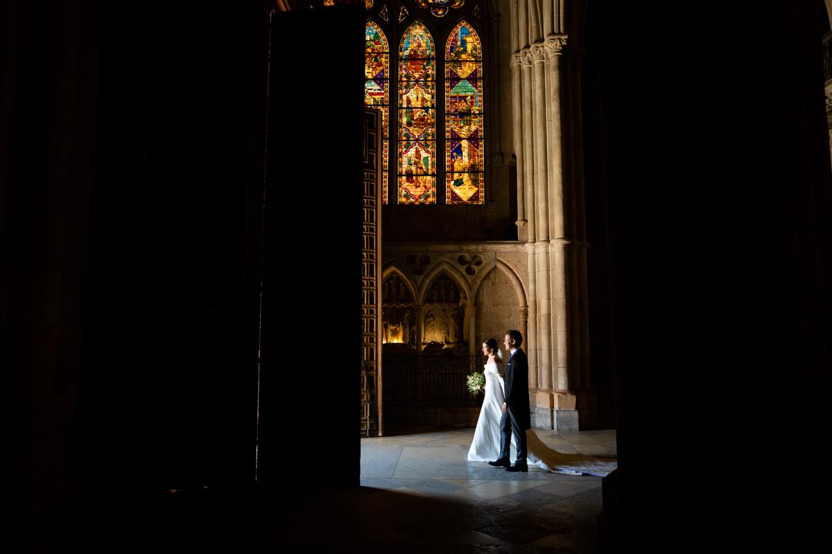 puerta por la que salen los novios en la catedral de leon