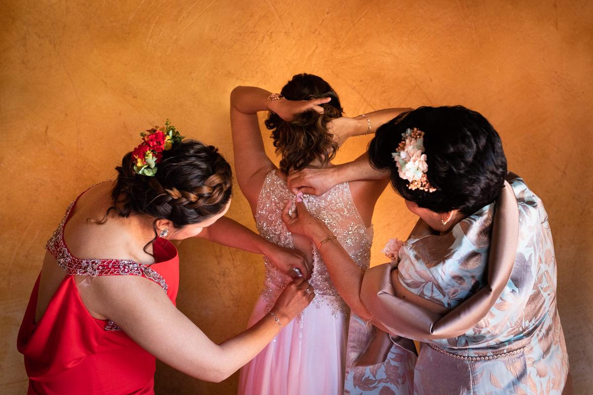 vestido de novia en antigua fabrica de harinas
