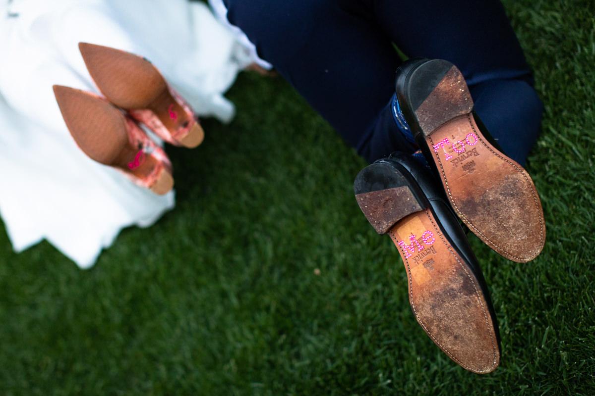 nombre de novios en suela de zapatos