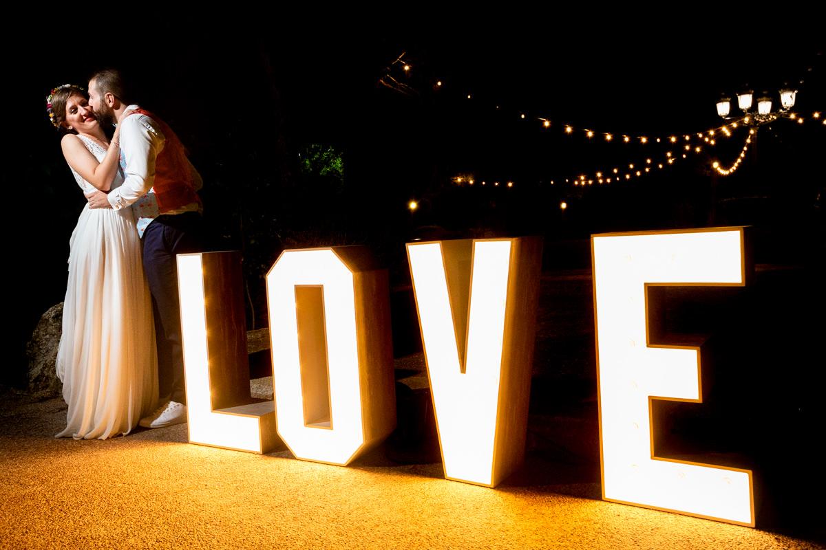 letras luminosas de novios en finca soto de gracia